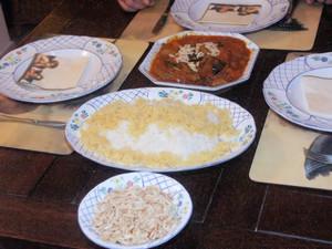 Khorescht-e Sardalu wa Alu, Hammelschulter in Pflaumen-Pfirsich-Soße und Safranreis