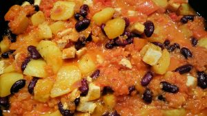 Indianerschmaus Tofu Kartoffel Paprika Bohnen
