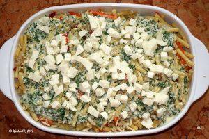 Nudelauflauf mit Paprika, Mandeln, Parmesan und Mozzarella